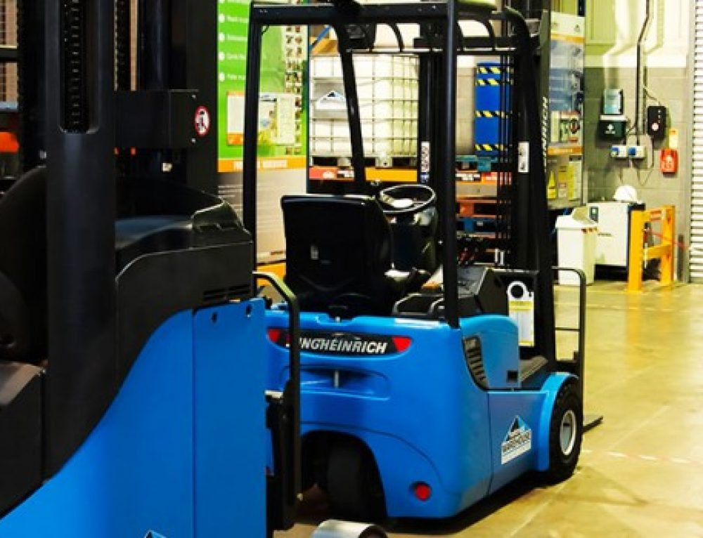 Reasons to Get a Forklift ( FLT ) Licence